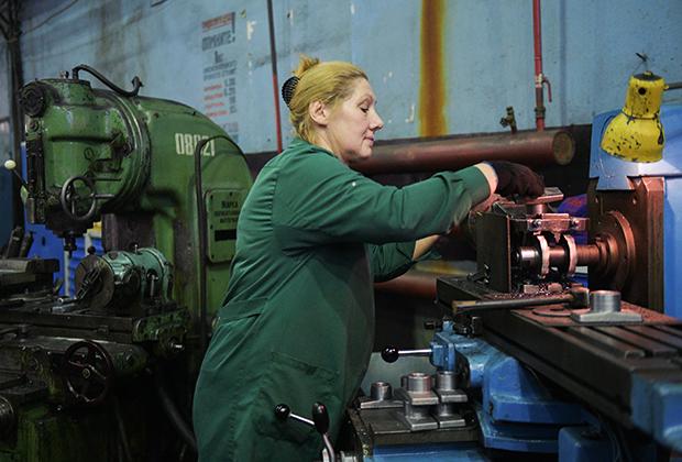 Для женщин не будет запрещенных профессий, а для многодетных мам введут семичасовой рабочий день. Минтруда Беларуси о планах на 2021 год