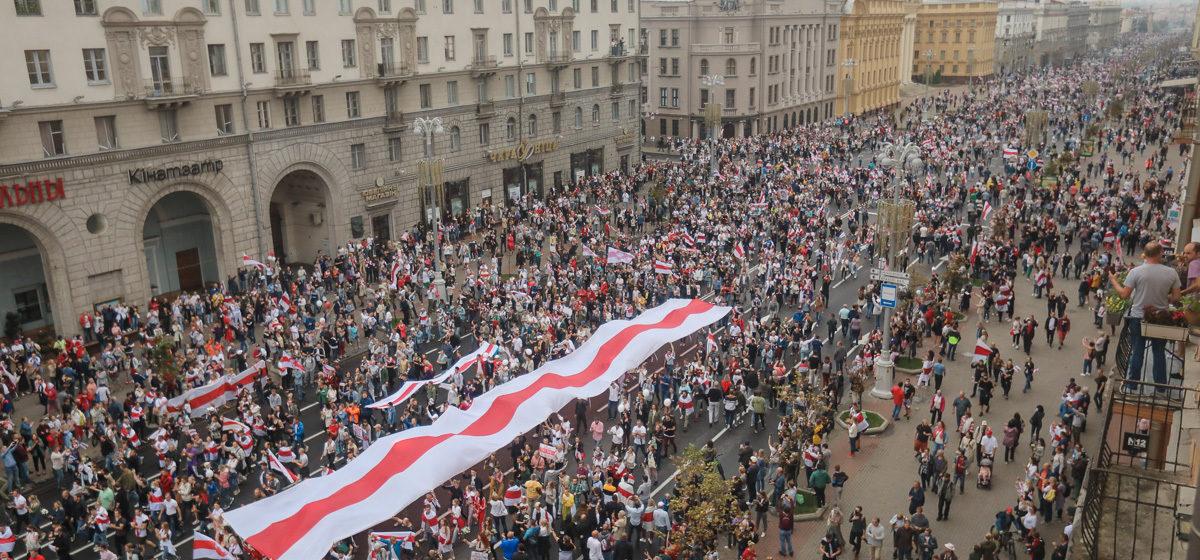 «Боятся ответственности». Как Лукашенко показывают «количество демонстрантов» на акциях протеста
