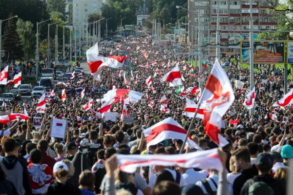 Мнение: «Белорусы формируют такое общество, которому будут по зубам любые политики и чиновники»