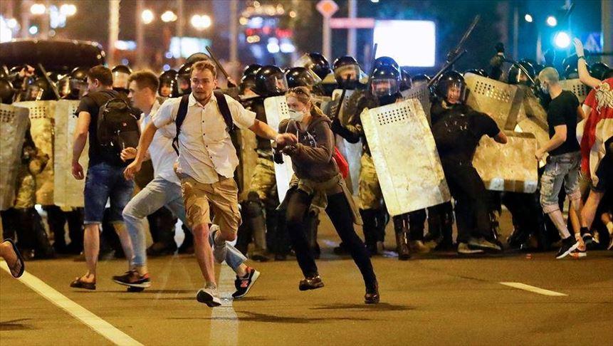 КГБ: На экстремистские действия протестующих будем реагировать, как на акты терроризма