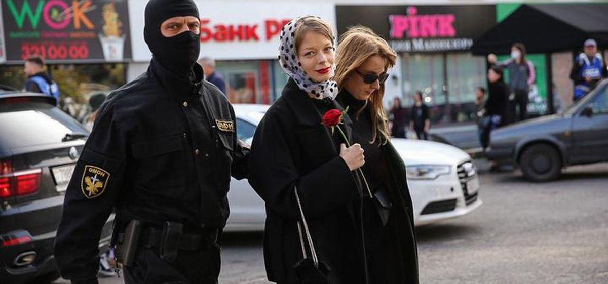 В Беларуси собираются ужесточить наказание за участие в акциях и БЧБ-флаги