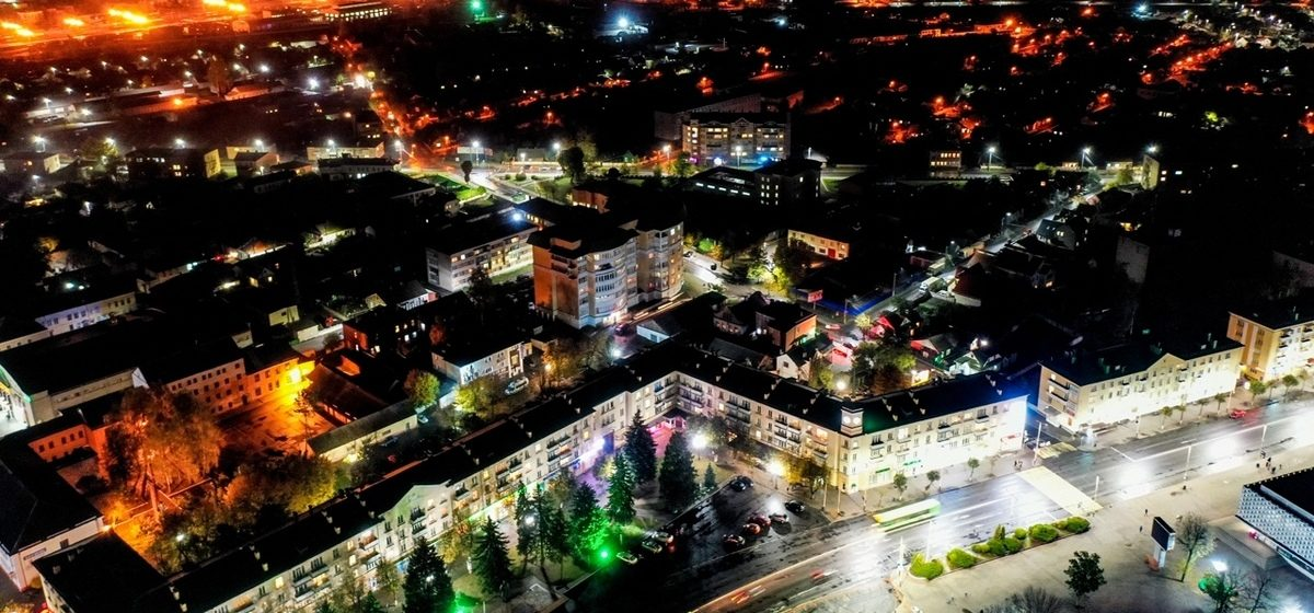 Барановичи в огнях. Невероятно красивые фото ночного города с высоты птичьего полета