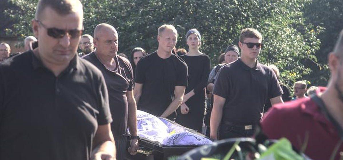 «Когда будет суд, вы все узнаете». Прокурор Брестской области прокомментировал гибель Шутова на протестах