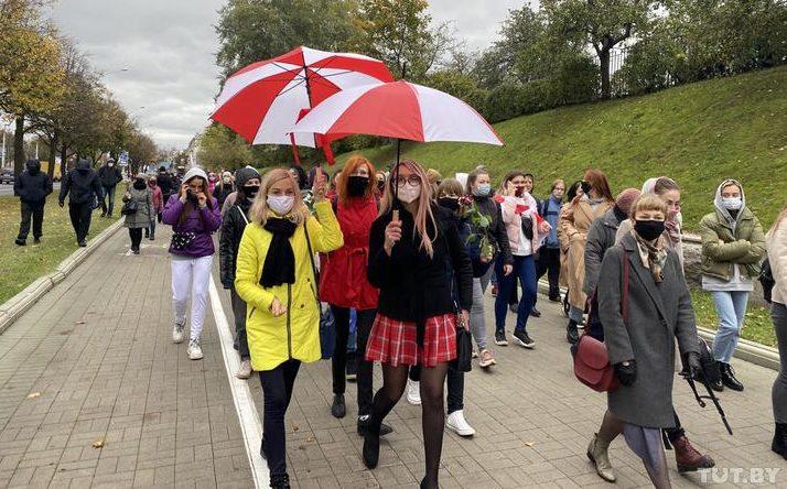 Что происходит в Минске 17 октября: марши женщин и студентов, задержания. Фото/видео