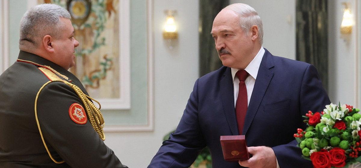 Что сказал Лукашенко, вручая генеральские погоны: «Наглядно показали, как надо защищать интересы государства и свой народ»
