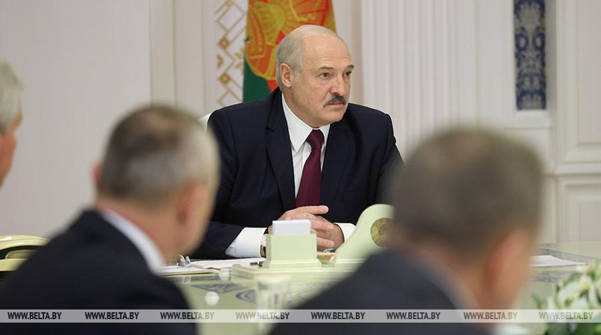 «Чтобы не дать этим негодяям пописывать, что мы варвары». Лукашенко поручил навести в Минске порядок