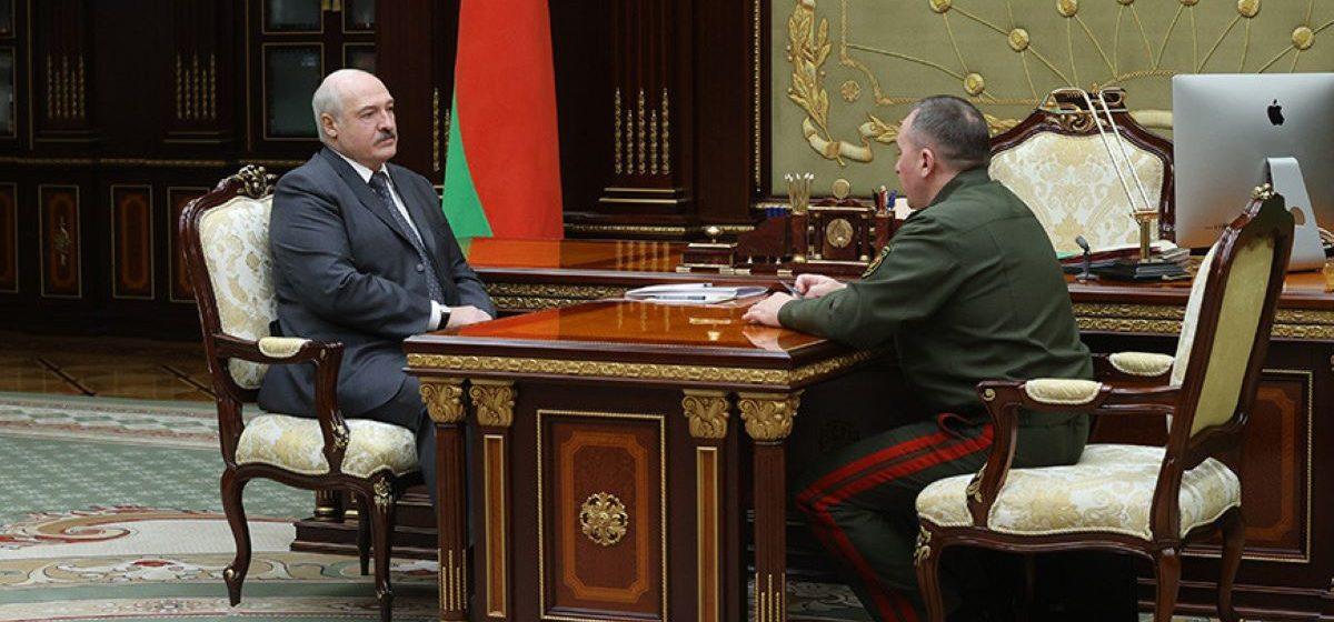 «Отсутствие настоящего патриотизма, особенно у наших мужиков». Лукашенко встретился с министром обороны