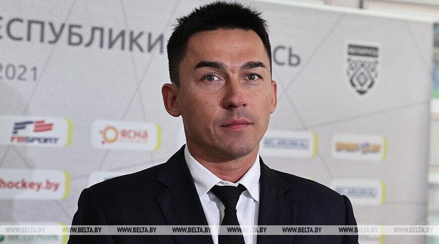 Председателю Федерации хоккея Баскову и кикбоксеру Шакуте запретили въезд в Латвию