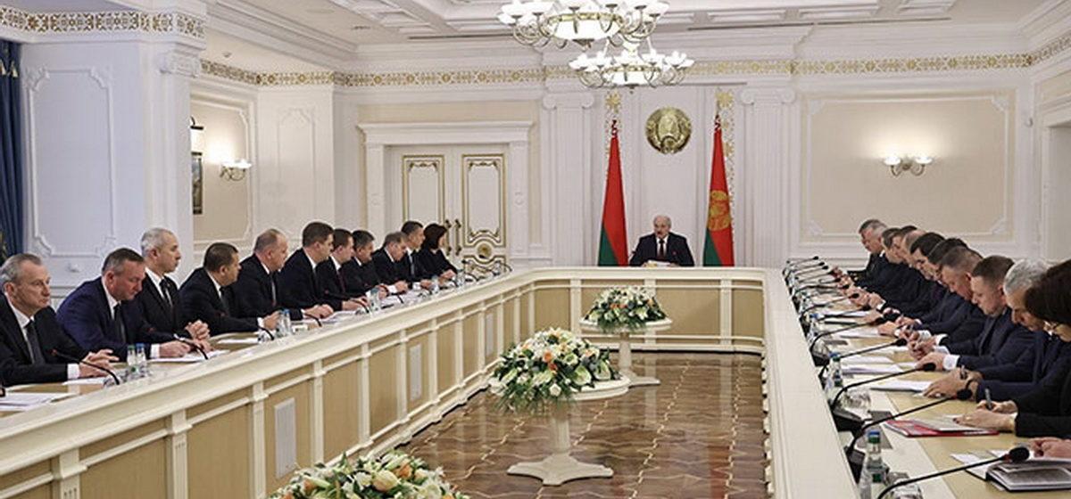 Лукашенко назначил ответственных за коронавирус в регионах. Кто отвечает за Брестскую область?
