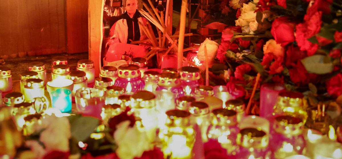«Не забудем, не простим!» Что происходило на «Площади перемен» после того, как стало известно о смерти Романа Бондаренко