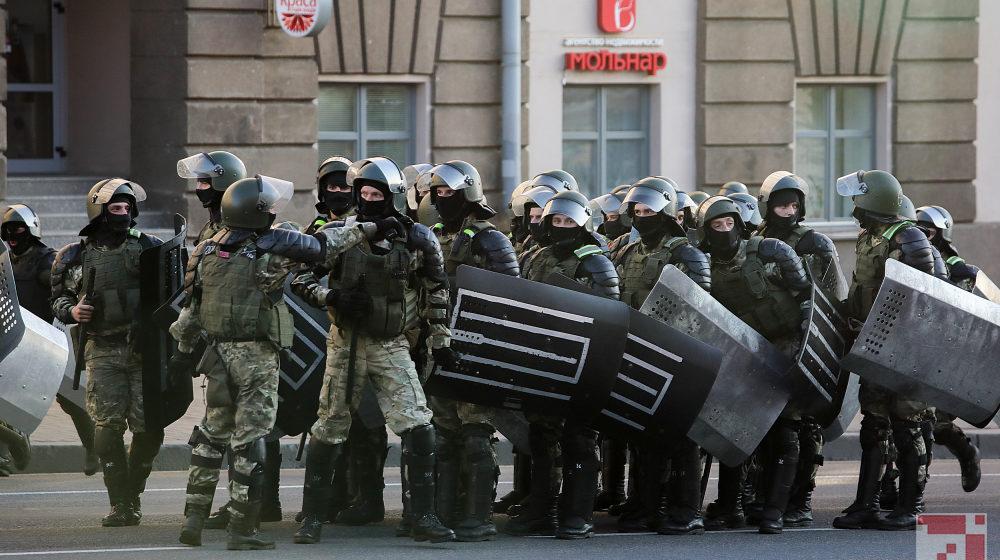 Хватит ли у Лукашенко ресурсов, чтобы создать военную диктатуру?