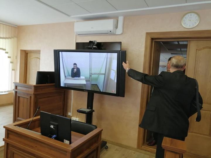 Один из судов, когда Сергей Тихановский находился в СИЗО №1. Фото: «Вясна»