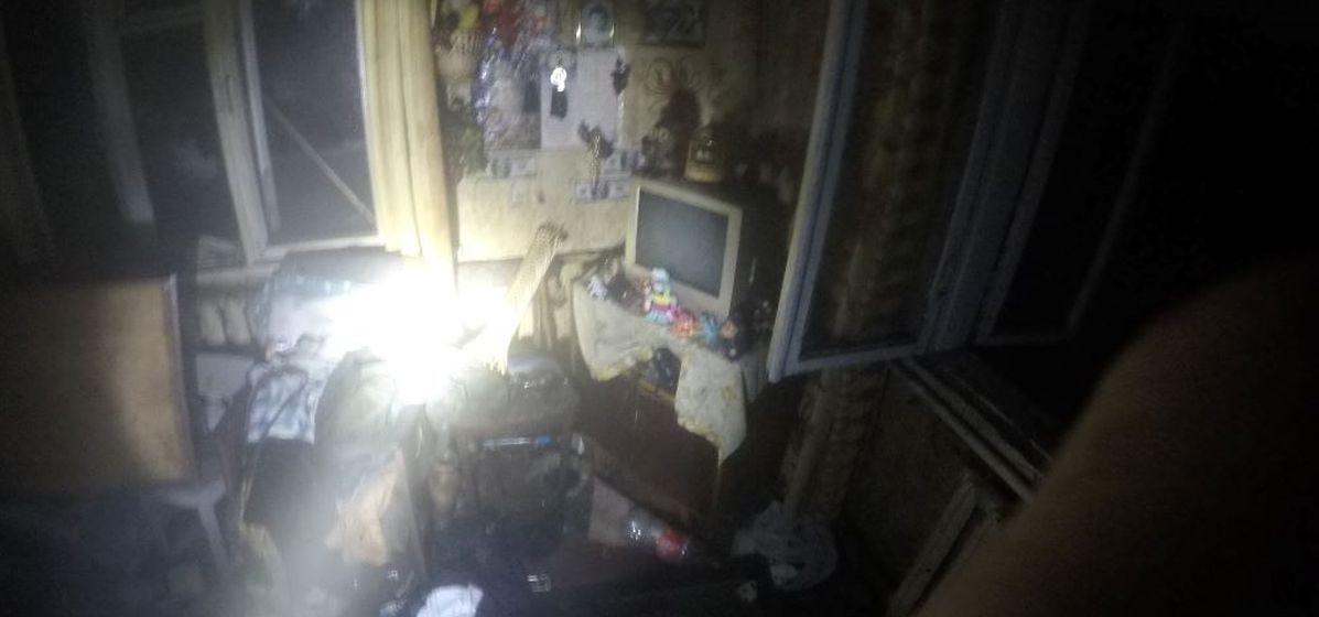 Спасатели вытащили через окно хозяина горящего дома в Барановичах