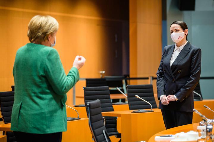 Светлана Тихановская на встрече с Ангелой Меркель. Фото: twitter.com/RegSprecher