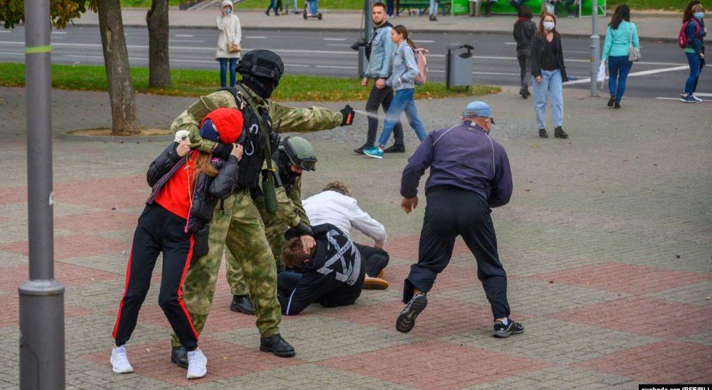 «Власть всех травмировала». Разговор с белорусским психологом