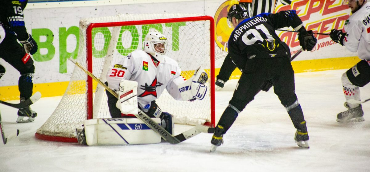 Хоккей с футбольным счетом. Кто победил в Новополоцке – «Химик» или «Авиатор»?