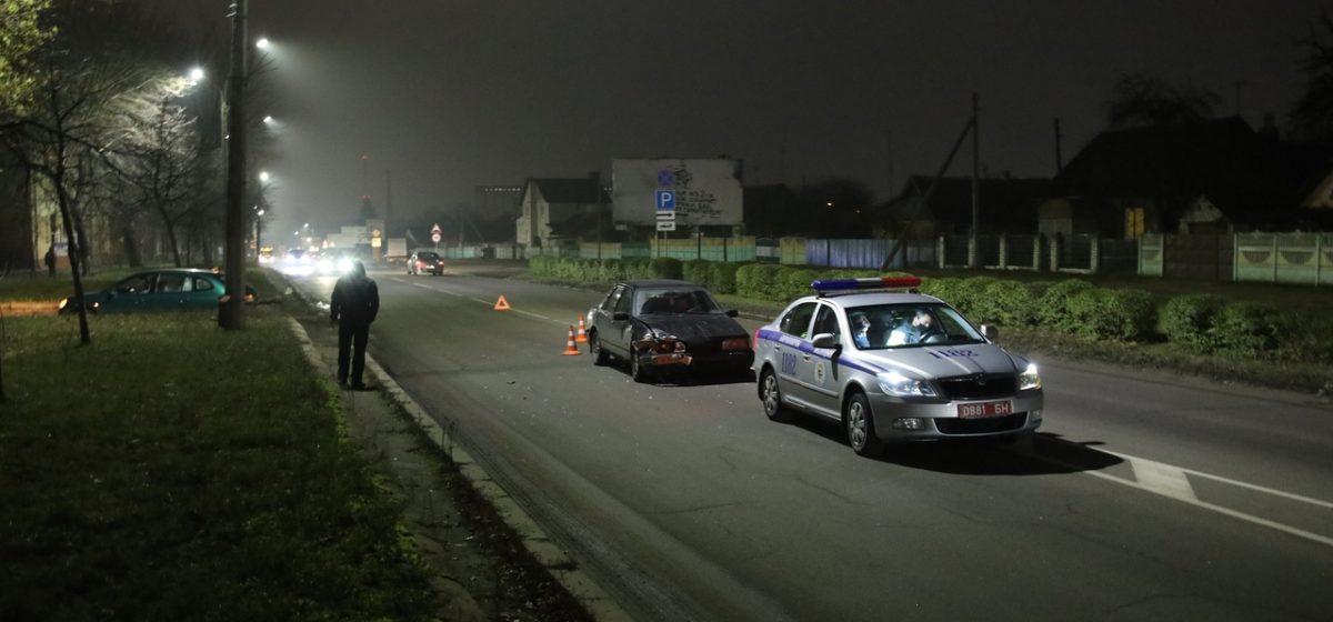 «КИА» и «Форд» столкнулись в Барановичах