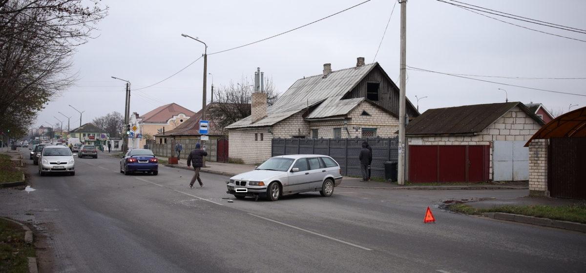 «БМВ» и «Мазда» столкнулись в Барановичах