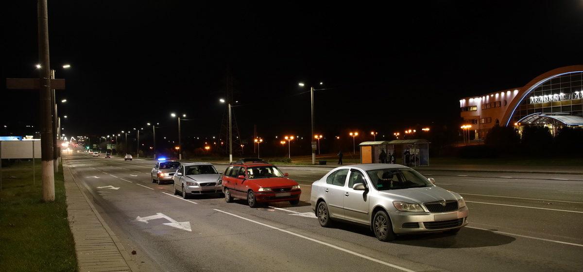 Три автомобиля столкнулись в Барановичах. Водитель «Вольво» ушел  с места ДТП