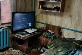 Фотографии новенькой PlayStation 5 в захламленной квартире в Барановичах стали вирусными. Они настоящие — и вот их история