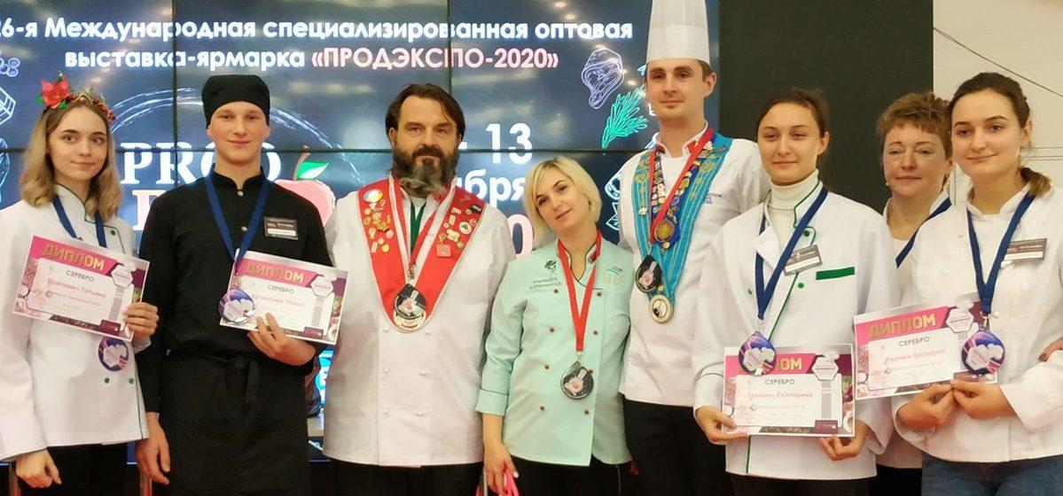 Золото за 3D-пряники. Четыре медали на кондитерском чемпионате получил Барановичский технологический колледж