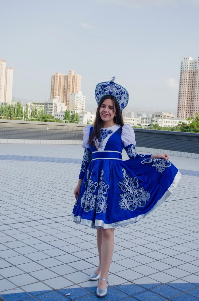 Анна Фесюн на мероприятии, посвященном культуре разных стран.