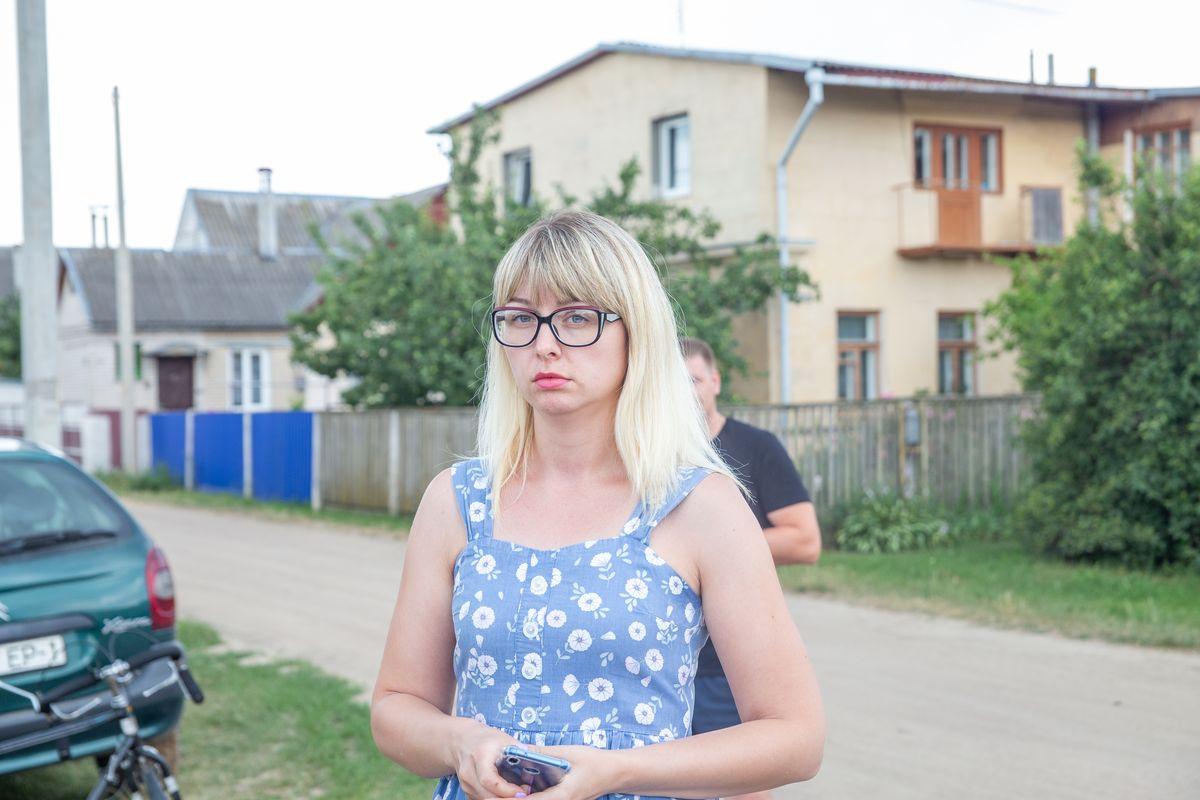 Светлана Галабурда, жительница одного из домов на улице Чапаева. Фото: Ирина КОМИК