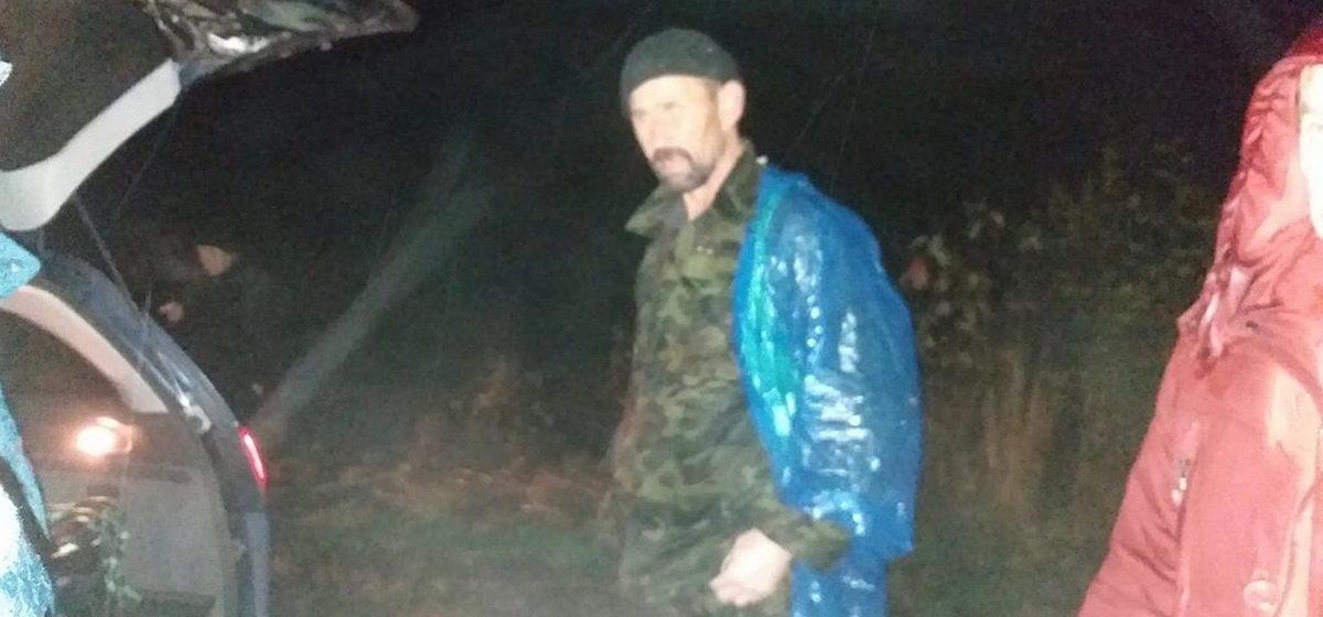 Заблудившегося в лесу жителя Барановичей нашли спасатели