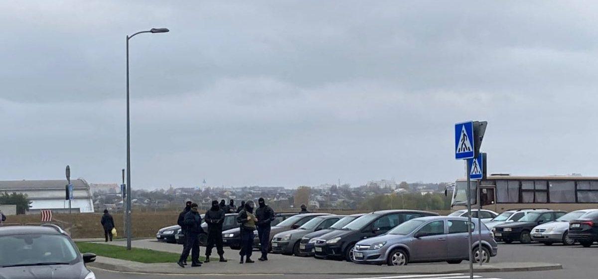«Такое чувство, что в городе военное положение». Что происходит в Барановичах 8 ноября? Обновляется