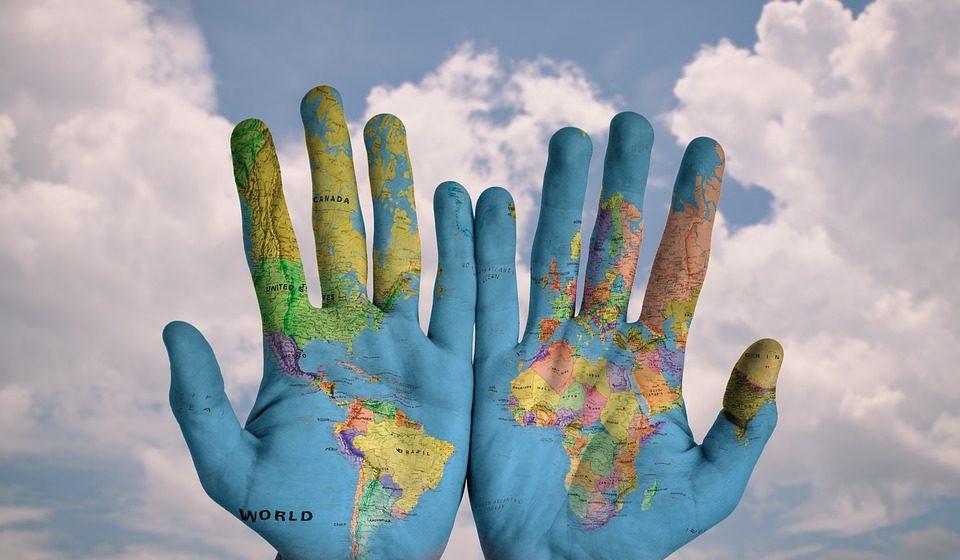 Тест. Сможете ли вы правильно поздороваться в чужой стране или вас побьют и изгонят?