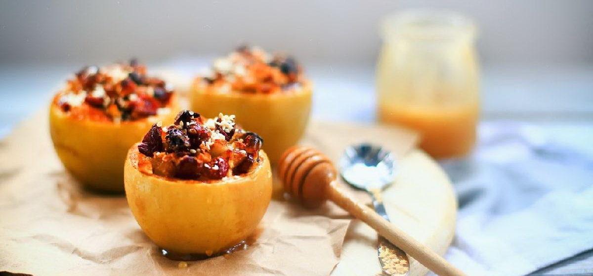 Вкусно и просто. Яблоки, запеченные с медом и корицей