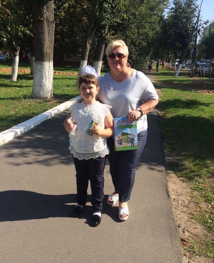 Наталья Панасеня со своей младшей дочкой - Аллой.