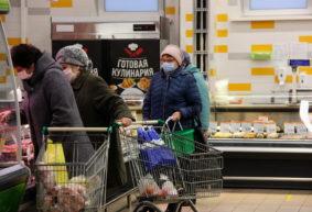 «Женщина, ну хотите, я вам маску куплю?» Что изменилось в Барановичах после введения масочного режима