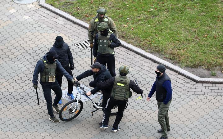 Политолог: Лукашенко не успокоится, пока не расправится с большинством населения, проявившего к нему нелояльность