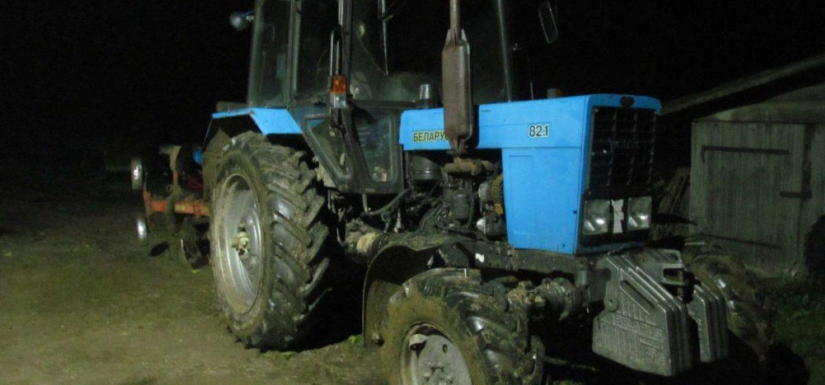 Пьяный сельчанин угнал трактор, чтобы съездить за алкоголем в Ляховичском районе