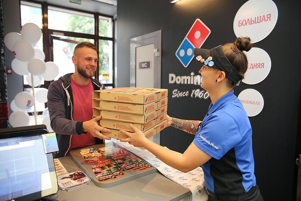Несменное правило по вторникам: две пиццы по цене одной!
