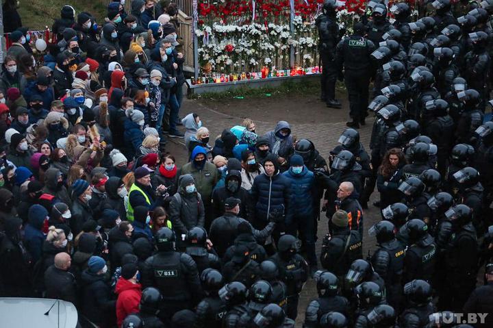 На суде в Минске девушка рассказала, что беременна, но ее все равно осудили на 25 суток за участие в протестах