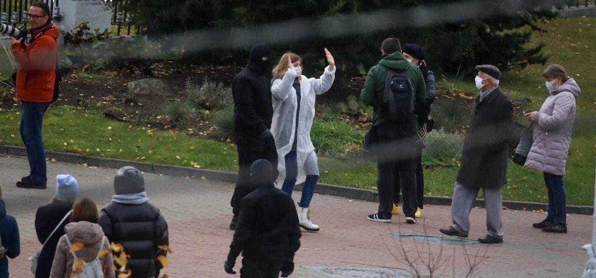 В Минске задержали медиков, которые пытались собраться на марш солидарности