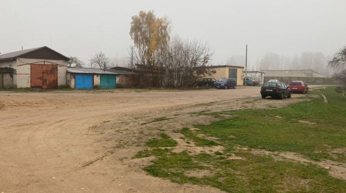 Так сейчас выглядит дорога на улице Чапаева, где еще летом была глубокая лужа-озеро. Фото: Ирина КОМИК