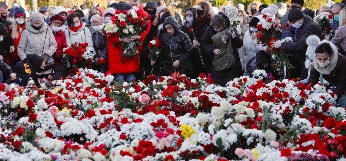 «Идет жуткое давление. Под это они хотели собрать людей». Лукашенко высказался о похоронах Романа Бондаренко