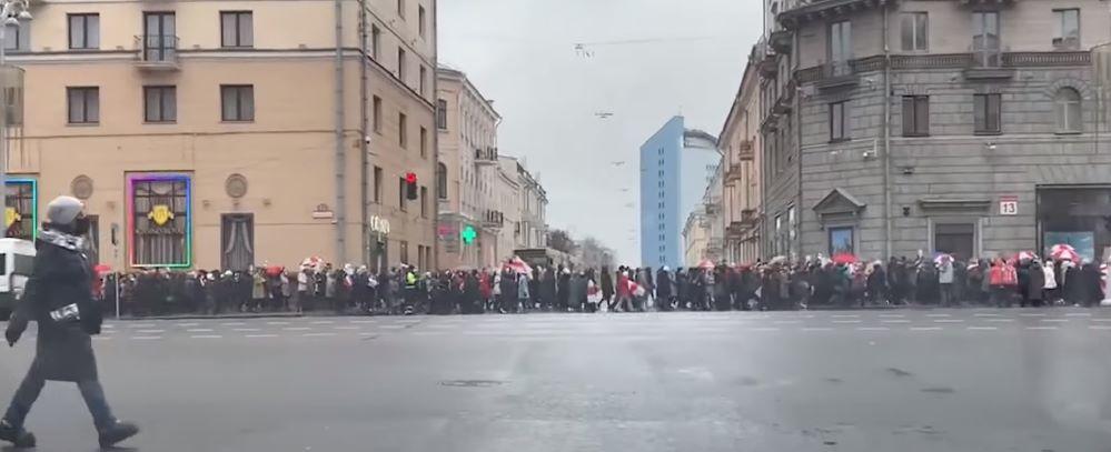 Стычка с милицией у цирка. Что происходило 23 ноября во время марша пенсионеров в Минске