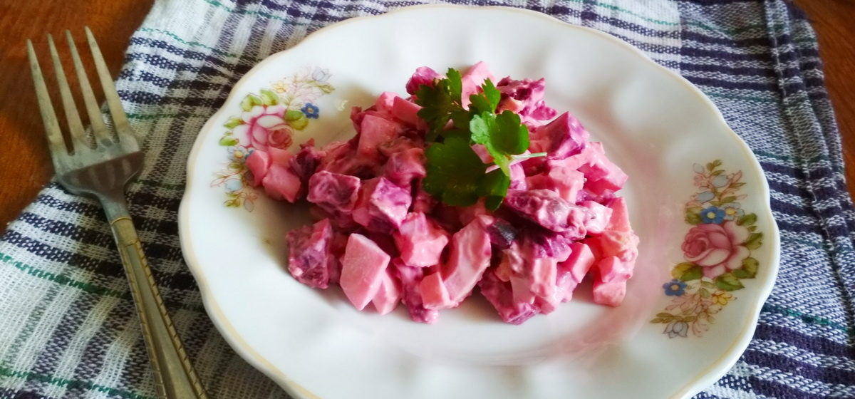 Вкусно и просто. Свекольный салат с яйцом и сыром