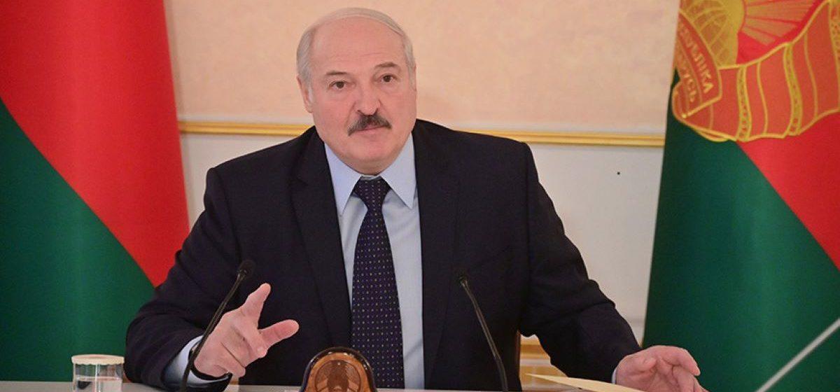 «Не надо было это даже читать, но мерзавцы последние». Лукашенко резко прокомментировал сообщения в телеграм-каналах, написавших о его визите в Витебскую больницу