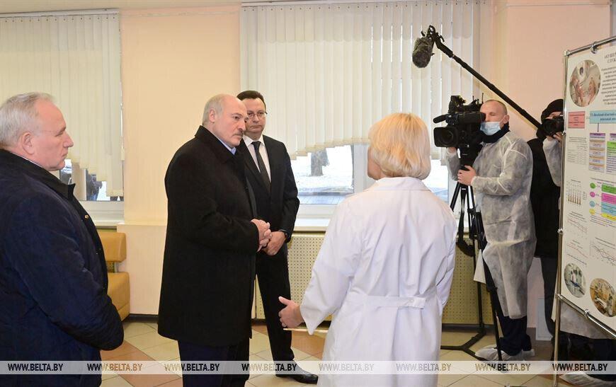 Лукашенко о коронавирусе: Погиб человек — за каждого ответите
