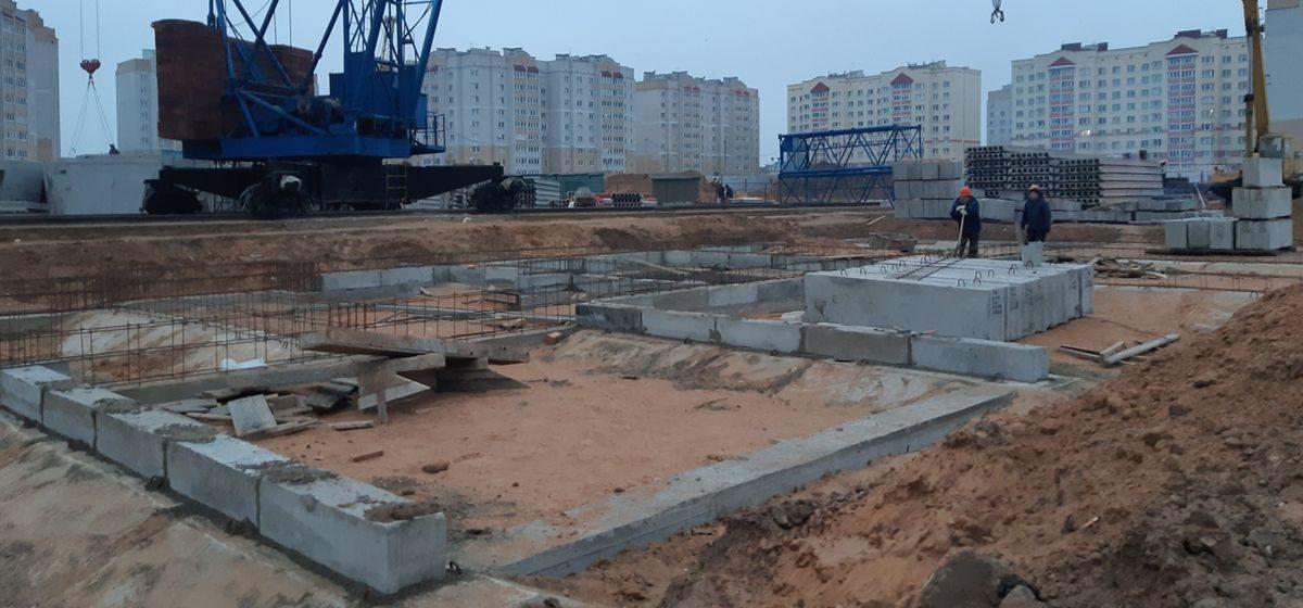 Как идет строительство новых домов в Боровках в Барановичах и сколько будут стоить квартиры в них