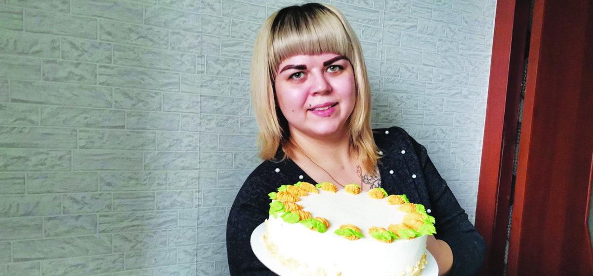 «Не думала, что тортики так затянут». Как жительница Барановичей, сидя в декрете, стала зарабатывать на сладком хобби