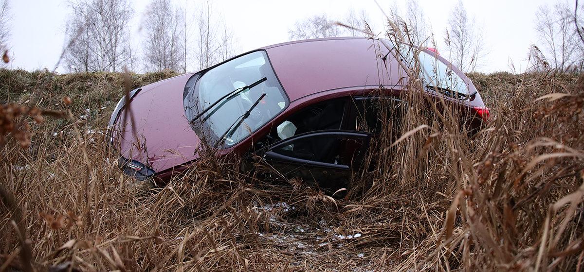 ДТП в Барановичах: авто оказалось в кювете, водителя очевидцы не нашли