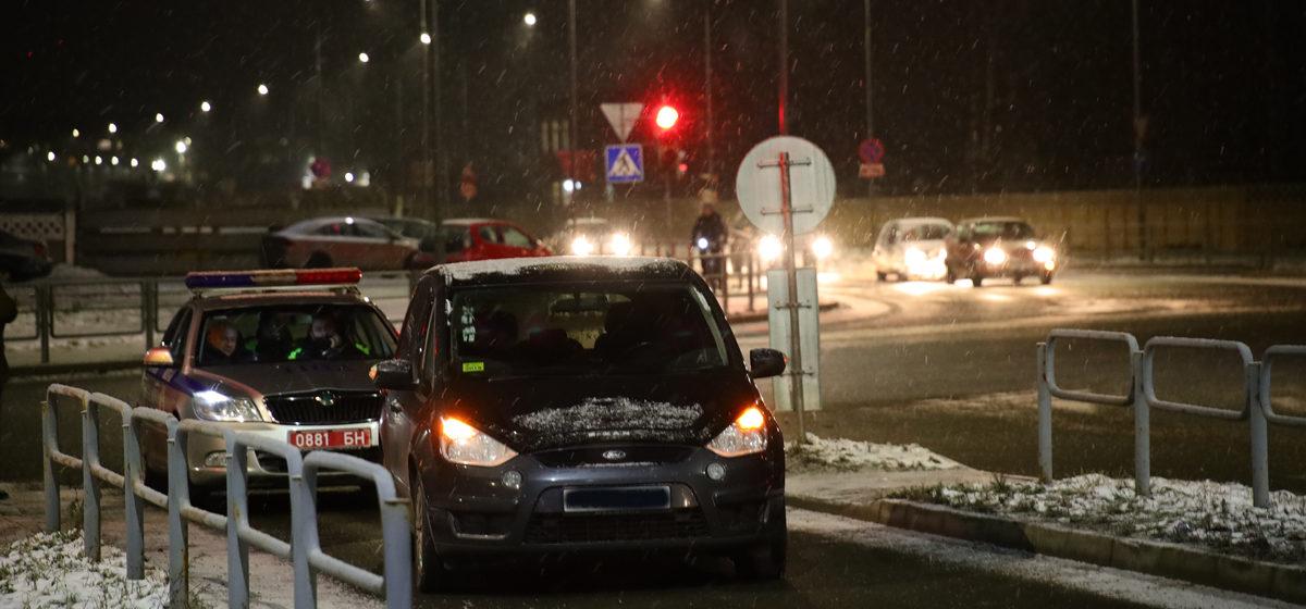 Автомобиль сбил школьника на пешеходном переходе в Барановичах