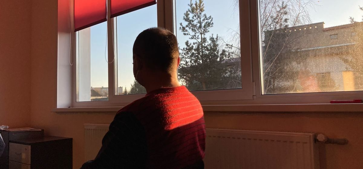 «Когда человеческая жизнь станет дороже статистики?». Житель Барановичей считает, что его мама умерла, потому что он не знал, что болеет COVID-19