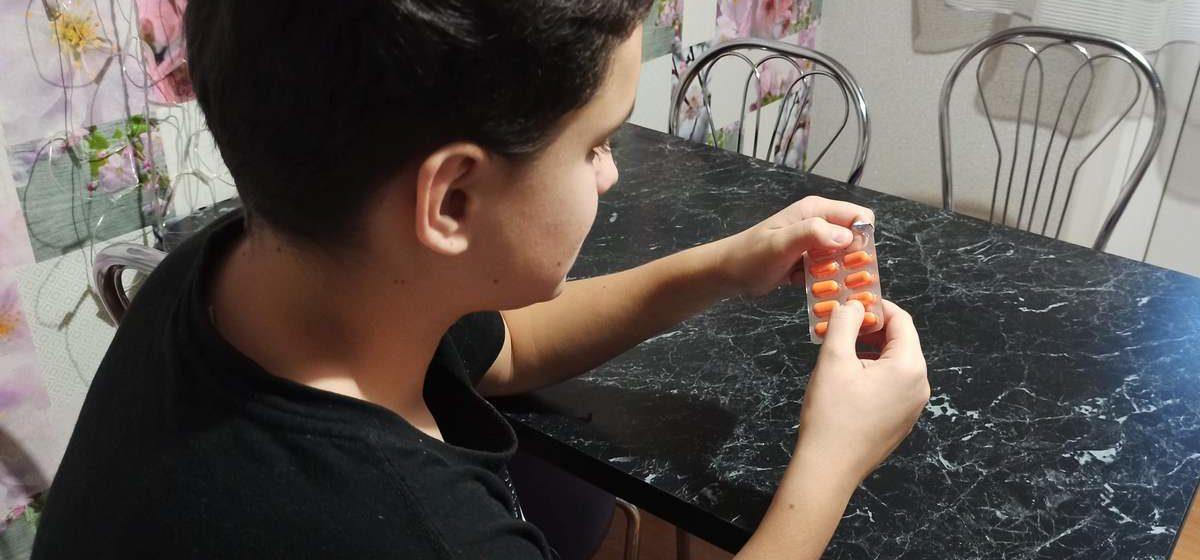 В Добрушском районе два школьника отравились таблетками — они в реанимации